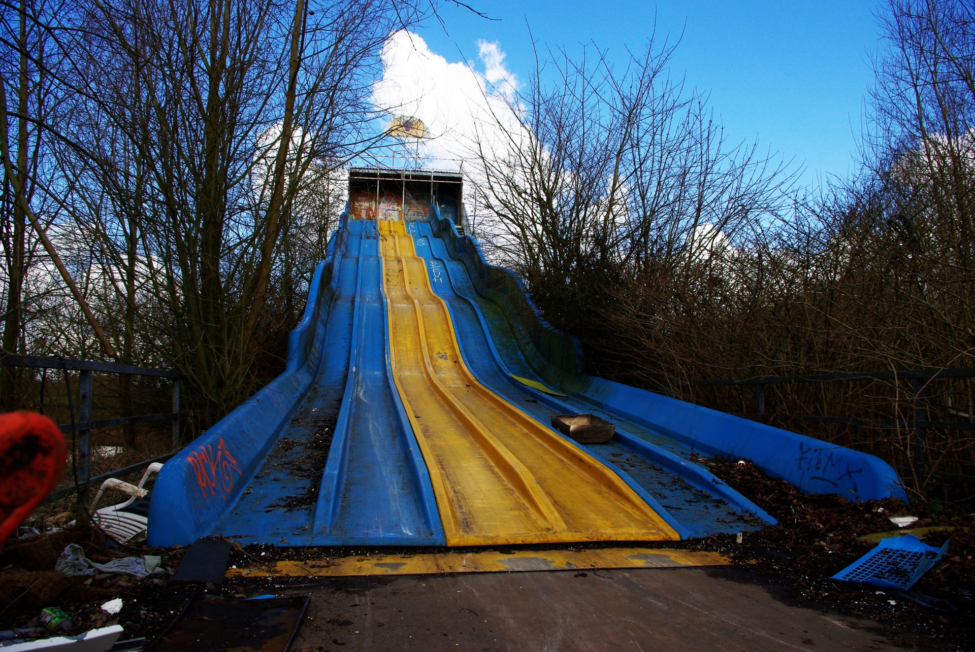 Abandoned-multi-slide-