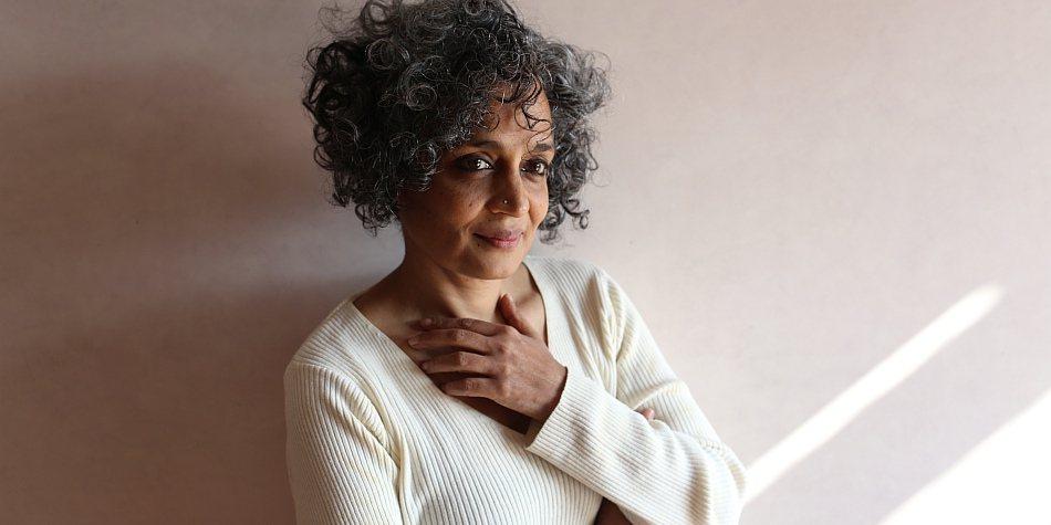Arundhati-roy_mayank-austen-soofi_2017-
