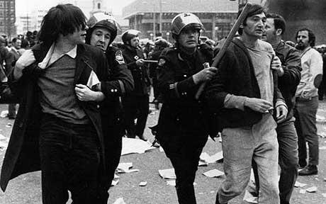 Zinn_arrested_vietnam_demo-