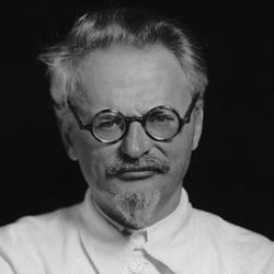 Trotsky-f_medium